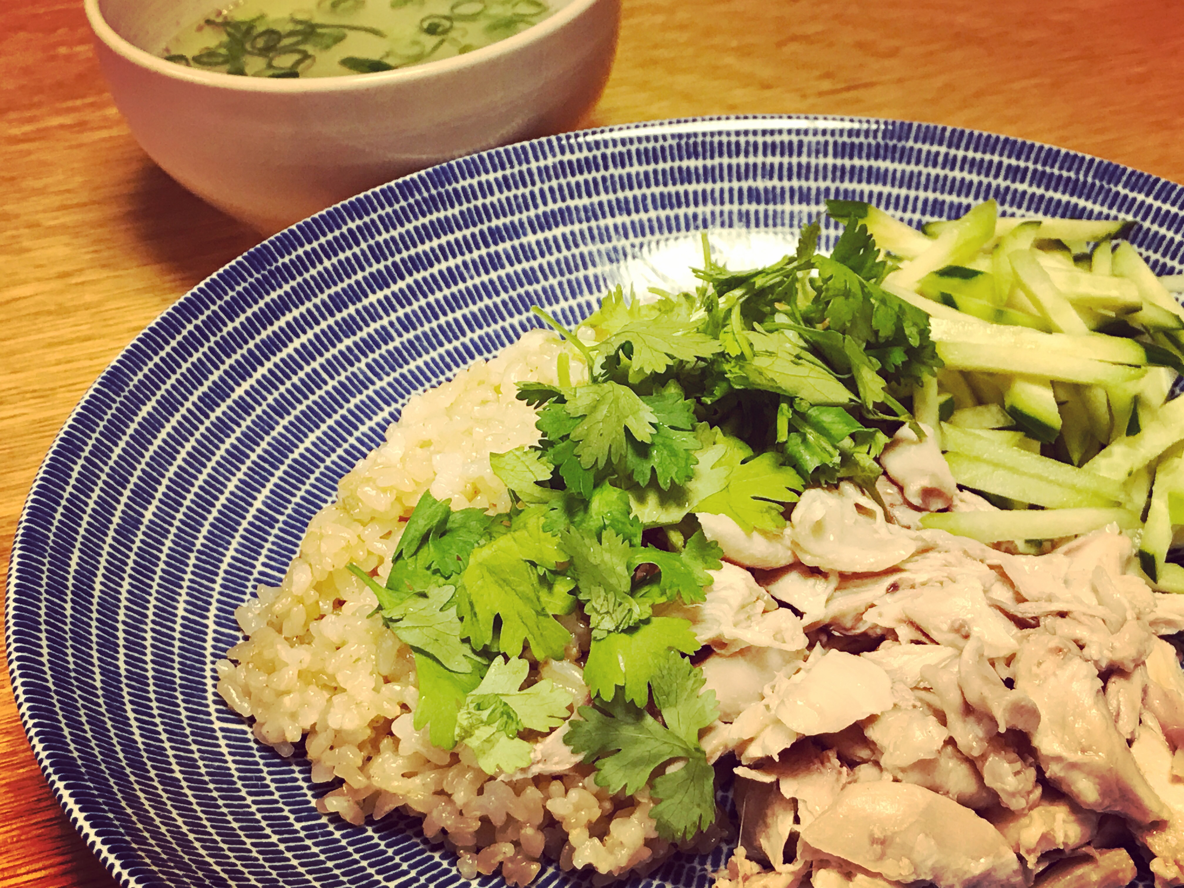 家庭でつくる、簡単で美味しいカオマンガイのつくり方。